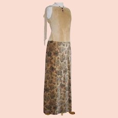 Authentic Vintage 1970s Tan with Dark Floral Print Velveteen Maxi Skirt S XS Brown Gray