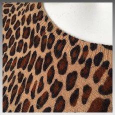 Vintage 1990s Sag Harbor Petite Leopard Print Pullover Short Sleeve Jewel Neck Sweater M
