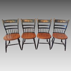 4 Vintage Hitchcock Side Chairs   Harvest Style  Nice Condition