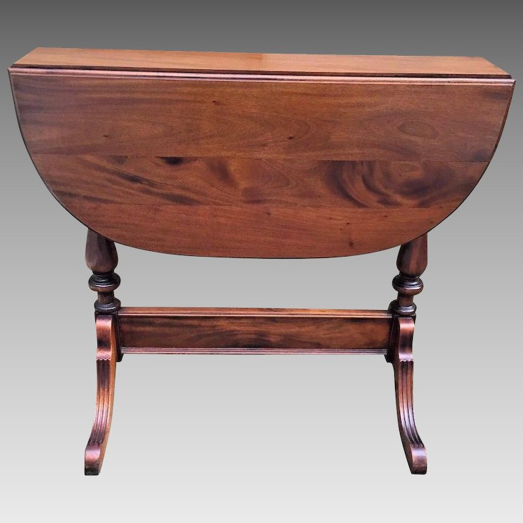 Attrayant Vintage Walnut Drop Leaf Occasional Table 1880s Patent Date On Spring  Mechanism On Leafs