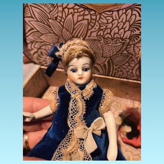 French All Bisque Mademoiselle Mignonette with bare feet & box