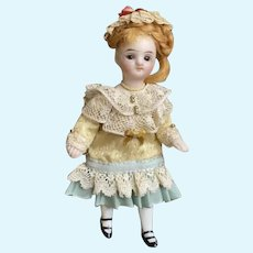 ANTIQUE  FRENCH doll mignonette french market. All bisque