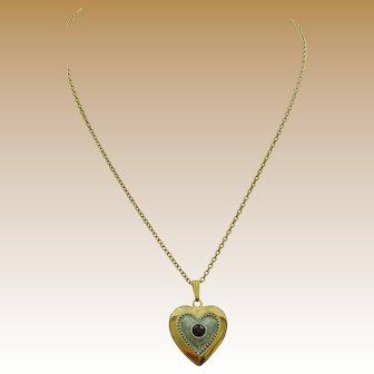 Beautiful Avon Heart Locket and Chain