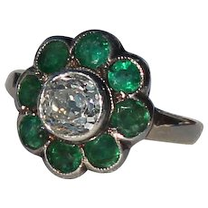 Diamond and Emerald Daisy Ring, Two Toned, 14Kt YG,WG