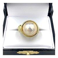 Vintage Mid-Century Mabe Pearl 18K Yellow Gold Ladies Ring