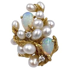 Vintage 18K Yellow gold Opal Pearl Diamond cocktail ring
