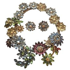 Sorrell Floral Necklace and Earring Set