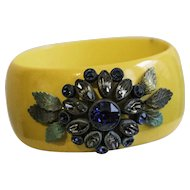 Yellow Bangle Bracelet with Blue and Amethyst-colored Flower