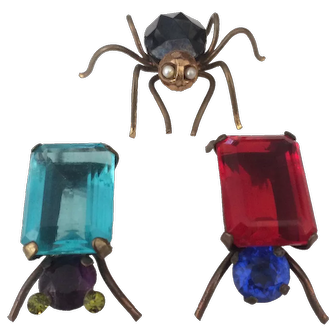 Three Vintage Bug Pins Socializing