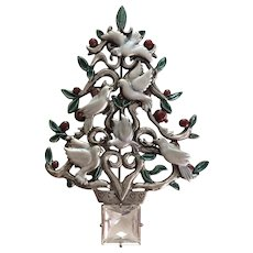 Doves on Christmas Tree Pin