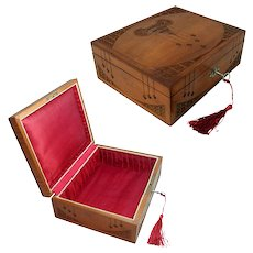 Arts & Crafts Wooden Jewelry Box. Beautiful Hand Carved Decoration