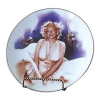 "Marilyn Monroe Plate Titled ""Photo Opportunity"""