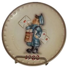 """Hummel 1983 Annual Christmas Plate Titled """"The Postman"""""""