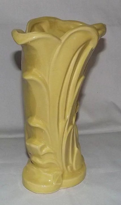 Mccoy Pottery Yellow Swan Vase A Dream Remembered Ruby Lane
