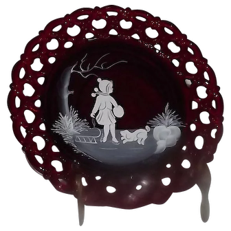 """Ruby Westmoreland Glass """"Mary Gregory"""" Style Collector Plate"""