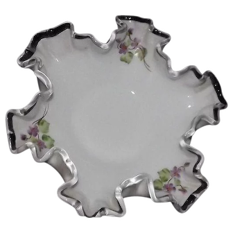 "Unmarked Pre 1970 Fenton Violets In The Snow Decorated ""Silver Crest"" Open Candy Dish"