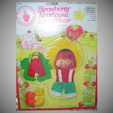 Strawberry Shortcake Berry Sunny/ Berry Patch Wear *MINT **NRFB