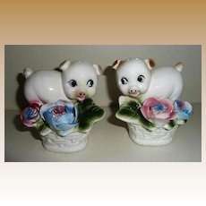 Arnart Creation Pigs among the Flowers Shaker Set