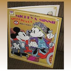 "1977 Mickey & Minnie Mouse ""Steppin Out"" Paper Dolls *UNCUT!"