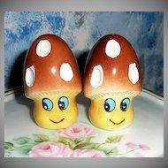Funny Mushrooms Set of Shakers