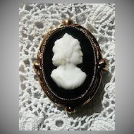 Coro Copper/Onyx Cameo Pin