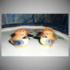 Small Luster Ware Birds  Salt and Pepper Shakers