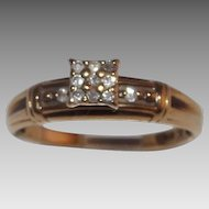 Lovely 10Kt Yellow Gold Diamond Engagement / Cluster Ring