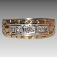 10 Kt yellow Gold 3 Diamond Ring