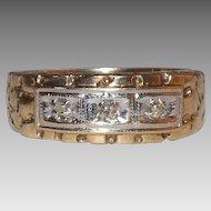 10 Kt yellow Gold 3 Diamond Ring