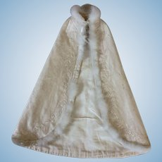 """Lovely evening cape for 20"""" fashion doll"""
