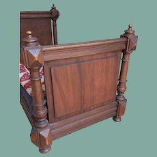 Antique wooden bed for French fashion