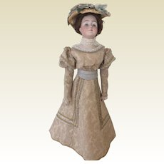 Fabulous Gibson Girl with two outfits - 21""