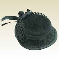 "Black felt bonnet for 19 to 22"" fashion doll"