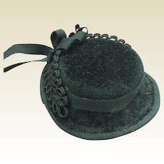 "Black felt bonnet for 19 to 22"" fashion doll"