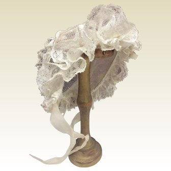 "Lovely wired tulle and lace bonnet for 20/22"" bebe"