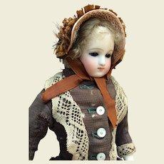 "Adorable little bonnet for 13/14"" French Fashion"