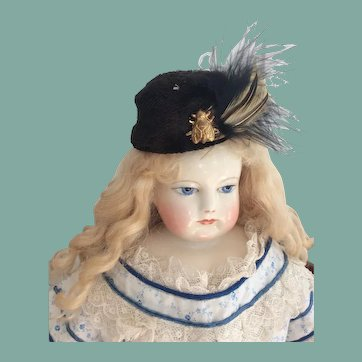 Rare toque for Huret, French fashion doll
