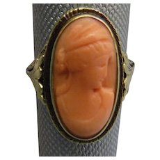 Beautiful Vintage 14K Gold Coral Cameo Ring