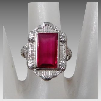 ** LAST CALL ** Vintage 14K White Gold Filigree Ring with Ruby-Color Red Stone, Size 7