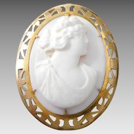 Antique Victorian 10K Gold Angel Skin Coral Romanesque Cameo Brooch Pendant
