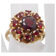 Vintage 10K Solid Gold & Garnet Flower Cluster Ring.