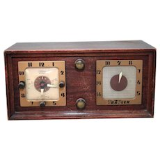 Travler Model 5170 5 Tube Clock Radio in Wood Case As-Is Not Working for Repair