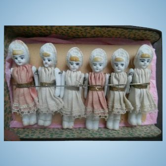 6 Bath Dollhouse Dolls In Original Box