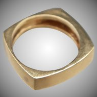 Hip to be square. 14k Gold Men's Band