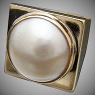Over the moon. 18k Mabe Pearl Ring
