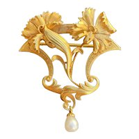 French Art Nouveau 18K Gold and Pearl Floral Brooch Pin