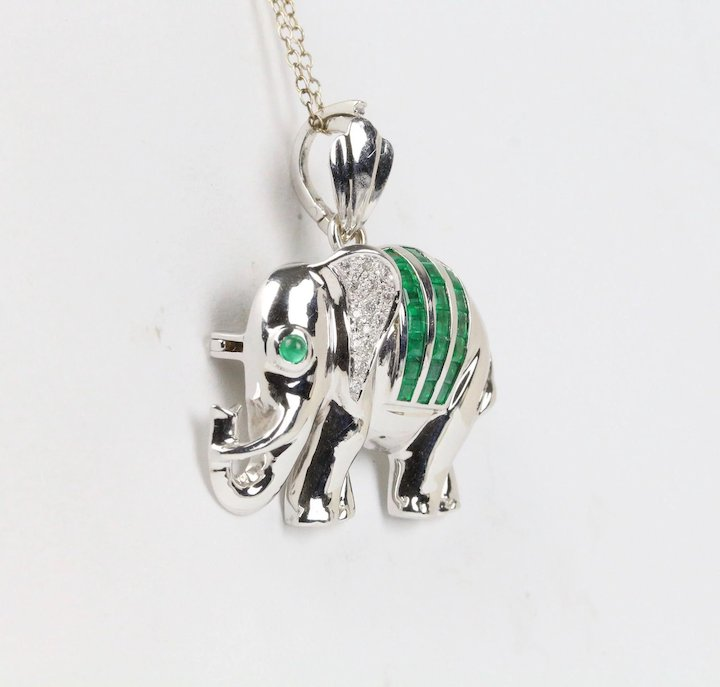 Natural emerald diamond and 18k white gold elephant pendant brooch natural emerald diamond and 18k white gold elephant pendant brooch pin aloadofball Choice Image
