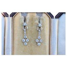 Art Deco Platinum and 1.4 Carat Diamond Honeycomb Pattern Drop Earrings