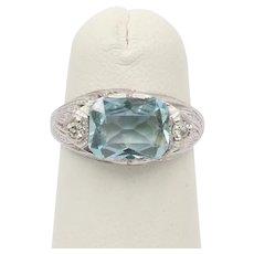 Vintage Art Deco 18K Gold Aquamarine and Diamond Ring