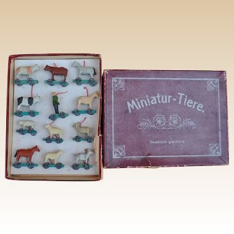 Very rare boxed set of Erzgebirge 'Miniature Animals', circa 1910